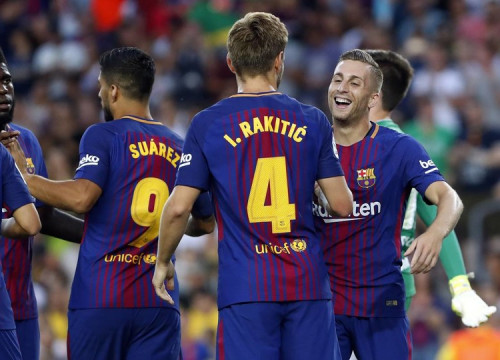 Celebrations as Deulofeu opens the scoring for FC Barcelona (by Miguel Ruiz- FCB)