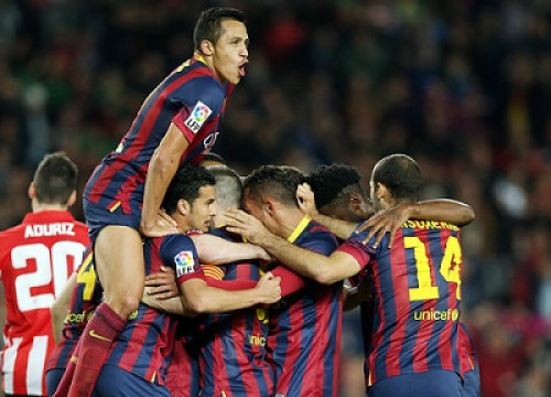 Barça players celebrating a goal against Athletic Bilbao (by FC Barcelona)