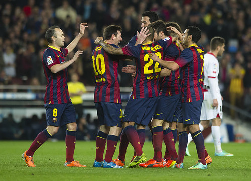 Barça players celeberating a goal against Rayo Vallecano at the Spanish League (by FC Barcelona)