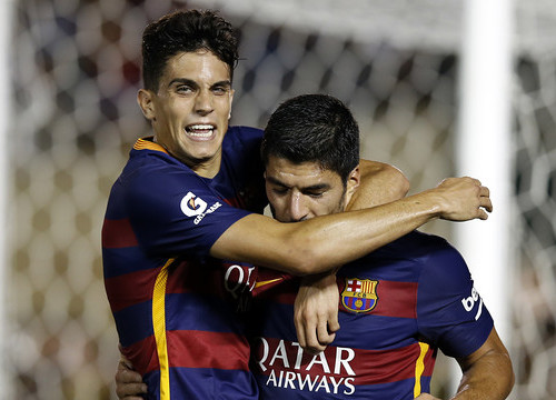 Luis Suárez scored Barça's first goal after the summer break, after Marc Bartra's assist (by FC Barcelona)