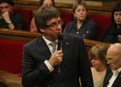 The Catalan President, Carles Puigdemont, answering a question in the Catalan Parliament