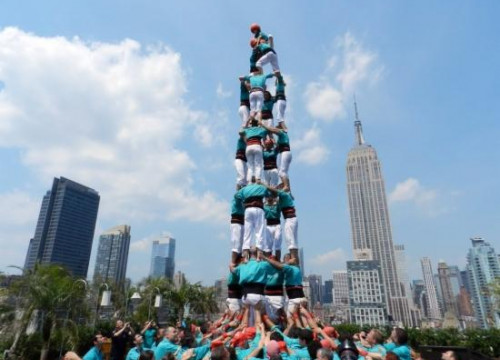 One of the human towers made in New York City (by Castellers de Vilafranca)