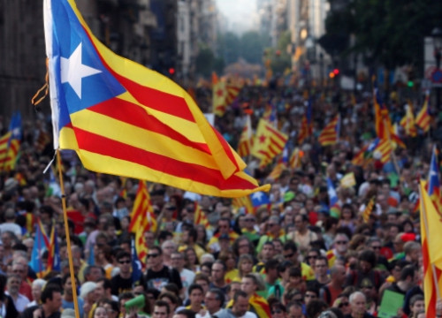 A Catalan independence flag in the 1.5 million strong demonstration supporting independence from Spain (by O. Campuzano)