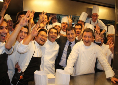 The Celler de Can Roca team in 2009, when they were awarded the 3rd Michelin Star (by X. Pi)