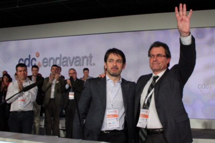 The new party Chairman, Artur Mas (right), and the new Secretary General, Oriol Pujol (centre) (by R. Segura)