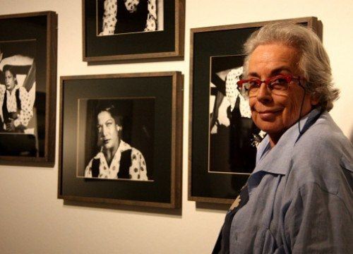 Colita in a recent exhibition of her pictures (by P. Cortina)
