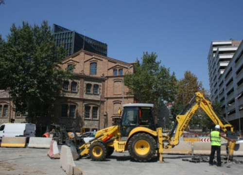 Construction work in the 22@ business and technological district, in Poblenou (by ACN)