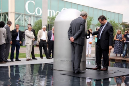 "Mayor of Barcelona, Jordi Hereu, seals the ""Time Capsule"" (by P Cortina)"