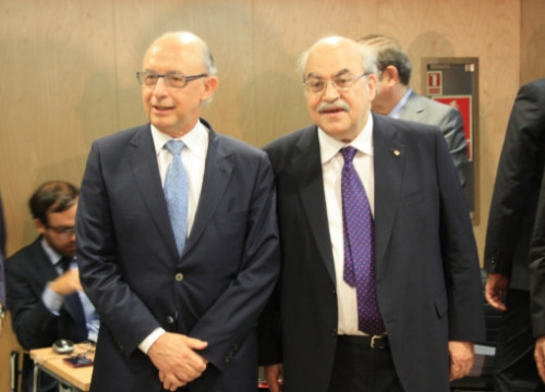 The Spanish Finance Minister, Cristóbal Montoro (left), and the Catalan one, Andreu Mas-Colell (right) in the CPFF of July 2014 (by ACN)