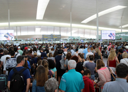Long lines in Barcelona Airport on Wednesday (by ACN)