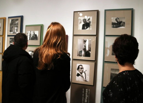 The exhibition displaying images of Dalí (Jordi Altesa)
