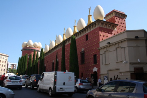 Dalí Museum in Figueres (by ACN)