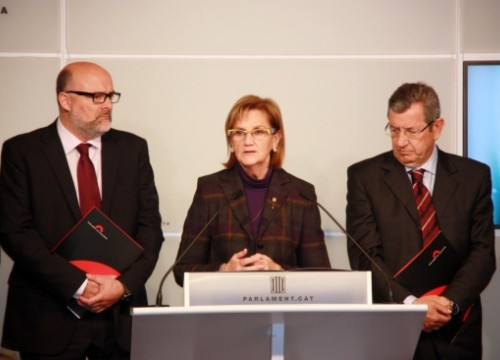 The President of the Catalan Parliament, Núria de Gispert, with the two Vice Presidents (by J. Pérez)