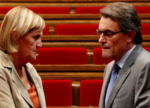 The President of the Catalan Parliament, Núria de Gispert (left) and the Catalan President, Artur Mas (by O. Campuzano)