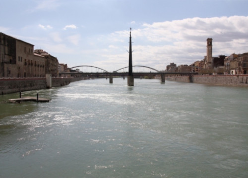 The Ebro River passing through Tortosa, just before arriving at the Delta (by ACN)