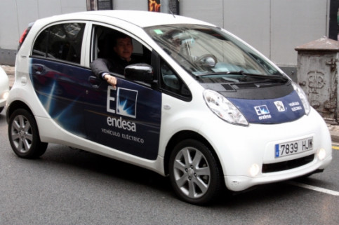 An electric car sponsored by Endesa in Barcelona (by J. Batallé)