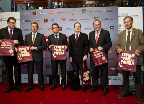 Barça backs a good cause  Sweep Away Hunger with the Sweepstake. FC  Barcelona President ... e37b76151f0cf