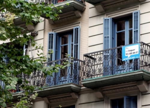 A second-hand flat on rent in Barcelona (by O. Campuzano)