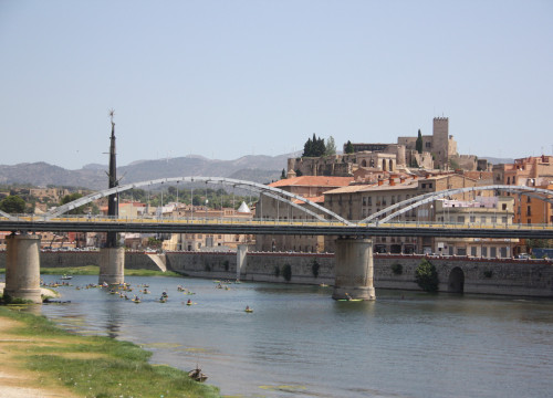 The town of Tortosa and the river Ebre (by ACN)