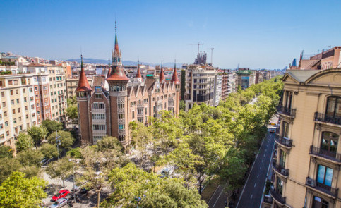Casa de les Punxes in Barcelona, hosting concerts every Friday in summer (ACN)