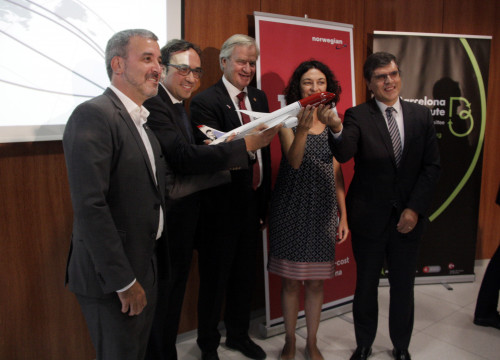 Norwegian's CEO, Bjorn Kjos, together with Catalan Minister for Territory and Sustainability, Josep Rull, Barcelona's Deputy Mayor, Jaume Collboni and El Prat Airport's Director, Sònia Corrochano (by ACN)