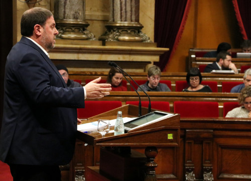 Catalan Vice President and Minister for Economy, Oriol Junqueras, presenting the Budget for 2017 to the Parliament (by ACN)