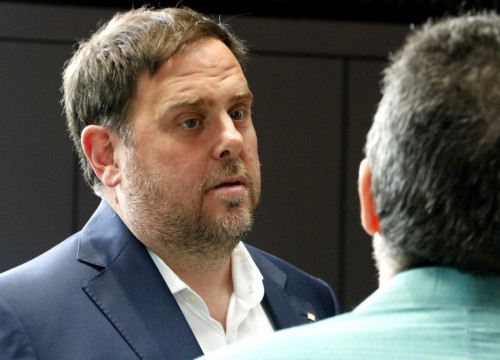 Catalan VP, Oriol Junqueras, speaking to Columbia University's Professor, Xavier Sala i Martín (by ACN)