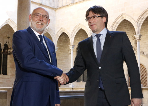 Spain's Attorney General José Manuel Maza (left) and Catalan president Carles Puigdemont (by ACN)