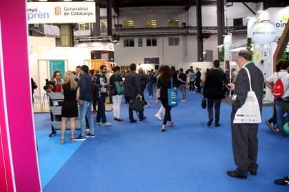 Image of some stands at Bizbarcelona fair in its 2017 edition (by Josep Molina)