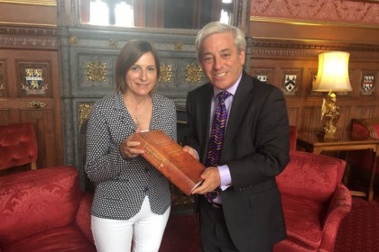 Image of Carme Forcadell and John Bercow in the UK Parliament in July 2017 (by Catalan Parliament)