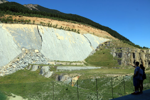 'Fumanya Dinosaur Project': a world-class paleontological site in the Catalan Pyrenees