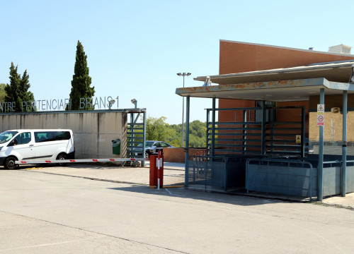 Outside the Brians I prison near Barcelona (by ACN)