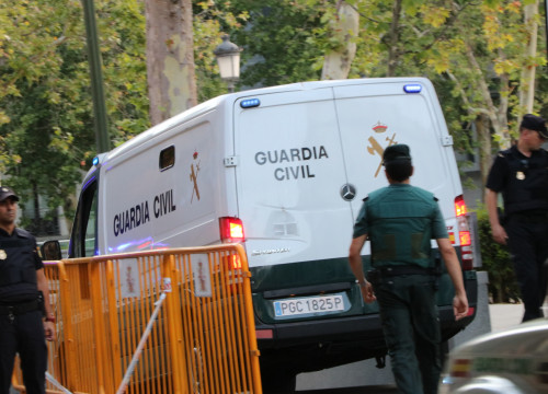 Suspects arriving in Madrid's National Court (by Roger Pi de Cabanyes)