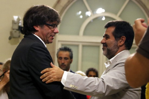 Carles Puigdemont and Jordi Sànchez in the Catalan Parliament on September 6, 2017