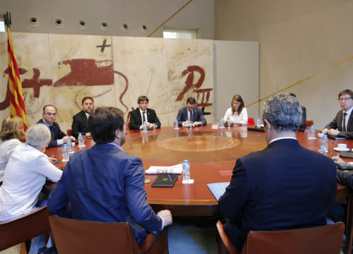 Catalan government extraordinary meeting on Wednesday