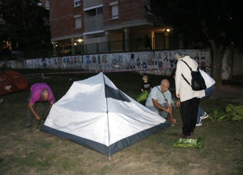 A tent outside a school to be used as a polling station in central Catalonia (by Mar Martí)