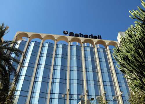 The headquarters of the Banc Sabadell in Alacant (by José Soler)