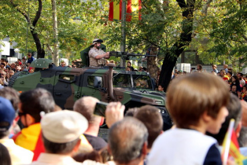 Spanish tank on the Spanish National Day military parade (by Tània Tapia)