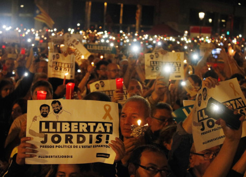 Candlelit march for the release of pro-independence leaders on Tuesday (by Mar Martí)