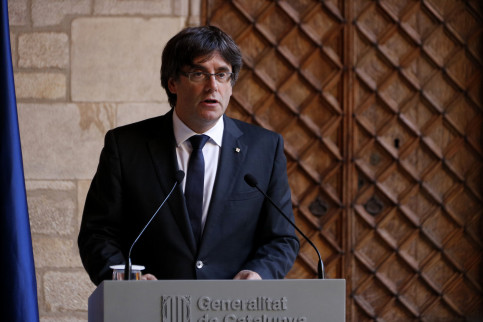 Catalan president Carles Puigdemont during his speech (by Guillem Roset)