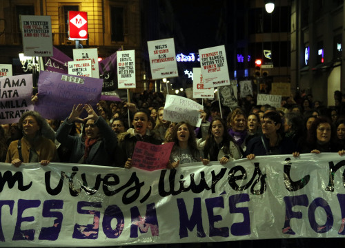 Protesters marching against gender violence in Barcelona on 25 November (by ACN)