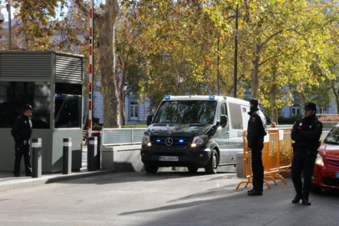 A Guardia Civil van leaving a court in Madrid on Friday (by Maria Belmez)