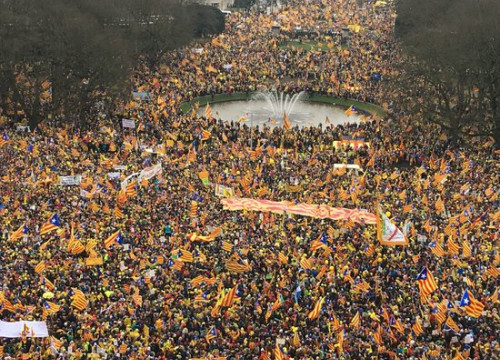 The Catalan demonstration in Brussels gathers thousands
