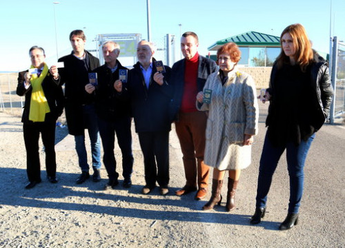 The seven MEPs outside Estremera prison in December (by ACN)