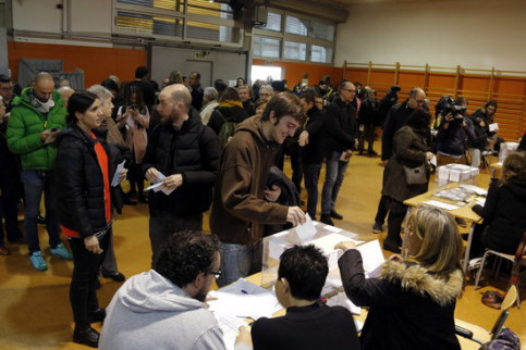A polling station during the December 21 Catalan election (by Jordi Pujolar)