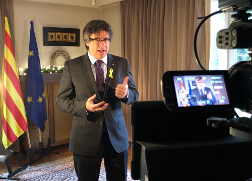 Carles Puigdemont giving a speech in Belgium on December 30 2017 (by @catalan_gov)