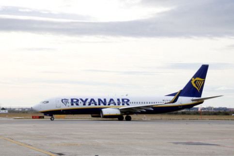 Ryanair plane at Reus airport in south Catalonia (by ACN)