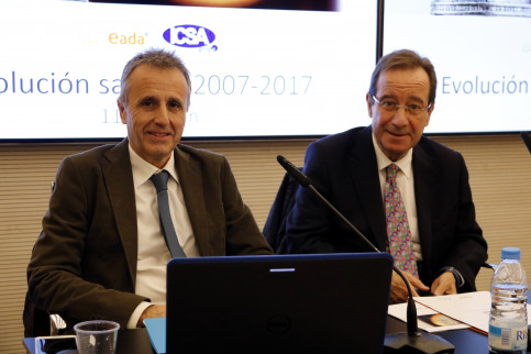 President of ICSA, Ernesto Poveda, alongside Jordi Costa, professor at EADA (by ACN)