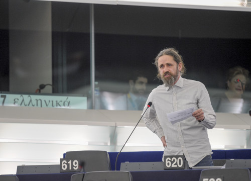 Luke Ming Flanagan at the European Parliament (by ACN)