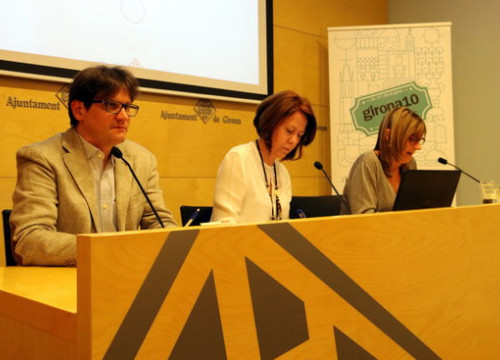 The mayor of Girona, Marta Madrenas (in the middle), presenting the Girona10 initiative